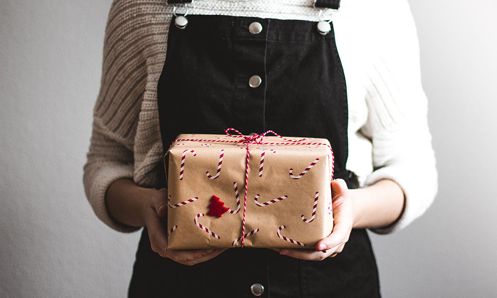 5 Gift Ideas For A Meaningful Christmas - 5 Gift Ideas For A Meaningful Christmas €� YMI