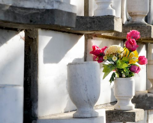 image of urns and flowers